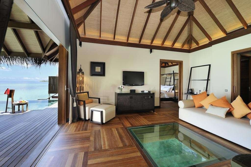 Sunset Ocean Family Suites with Private Pool