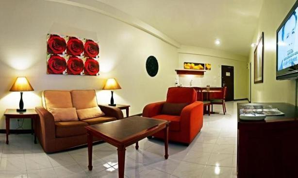 Deluxe Paradise Suite