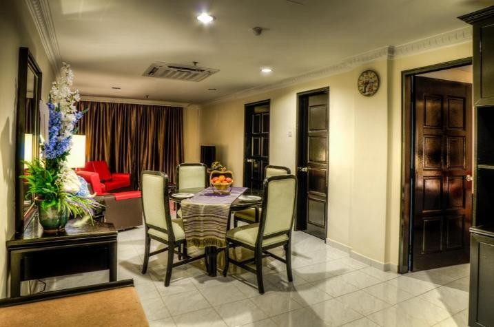 2-Bedroom Family Suite with Sea View