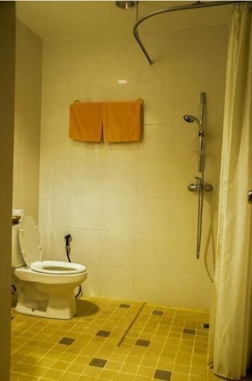 Standard Detached Bathroom