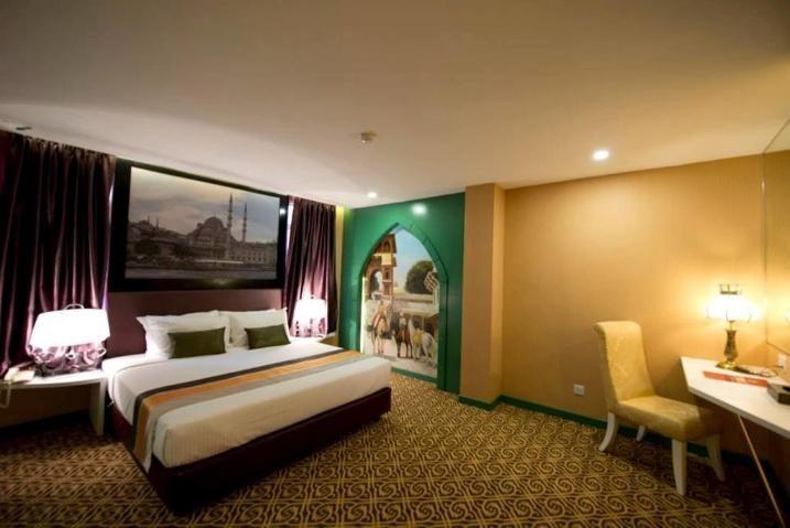 Theme King Room
