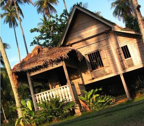 White Frangipani Villa with Sundeck