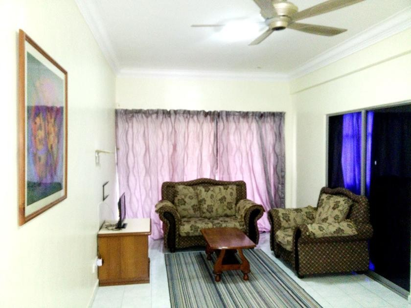Executive Family with Hall 2 Room (2 Queen or 1 Queen 2 Single)