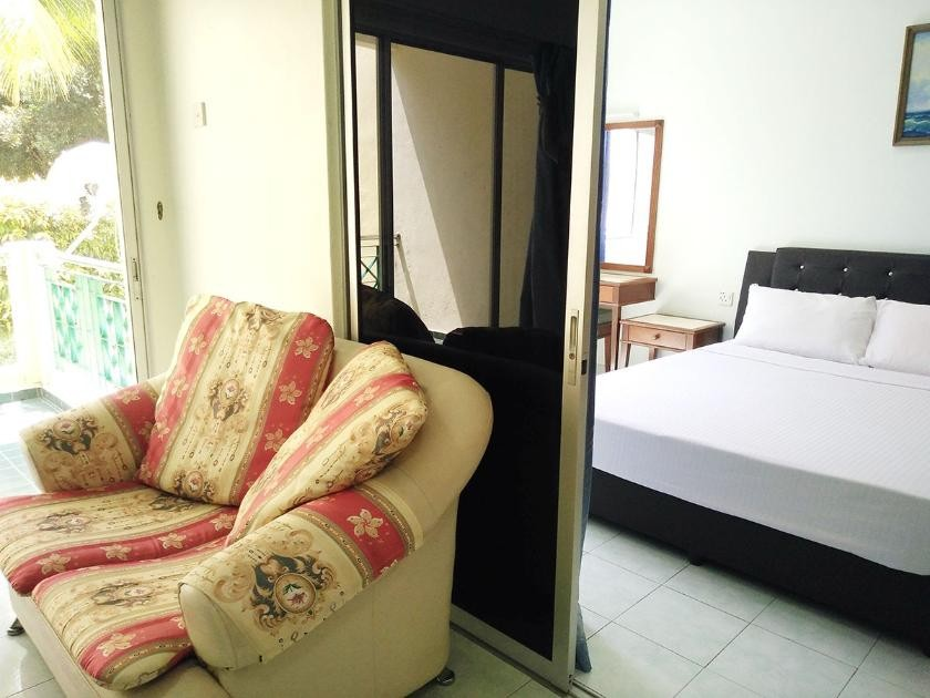 Executive Superior Room with Hall (1 Queen or 2 Single)